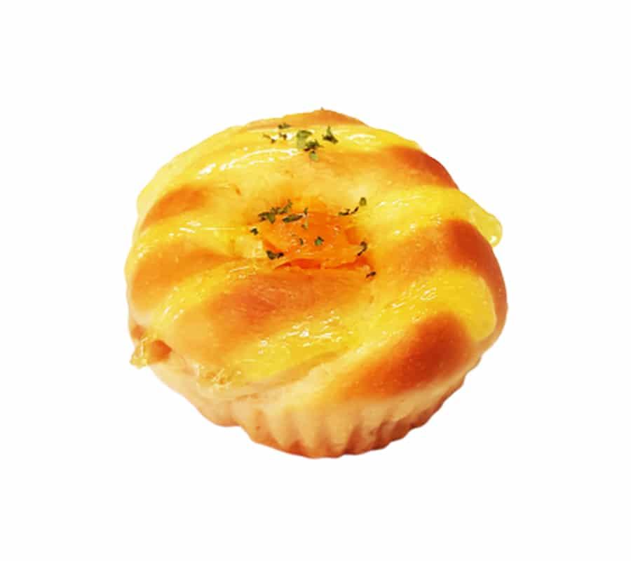 ขนมปังไก่สับไข่เค็ม